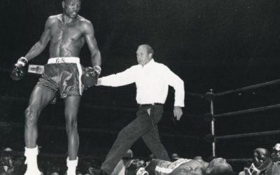 Bob Foster defeats Dick Tiger to win Light Heavyweight Titles