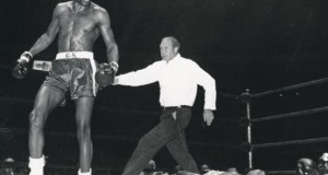 Foster defeated Dick Tiger vid 4th Round KO