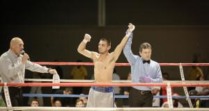 Joe Gomez defeats Cristian Cabral