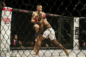 Donald Sanchez delivers knee; takes unanimous decision over Charles Cheeks III